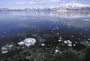 屈斜路湖氷点下の夜明け
