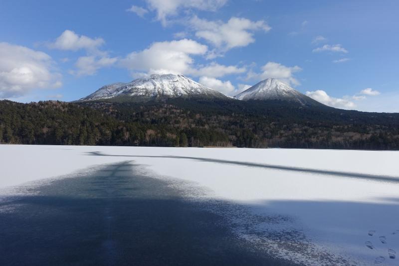 阿寒湖から車で20分ほどのオンネトー