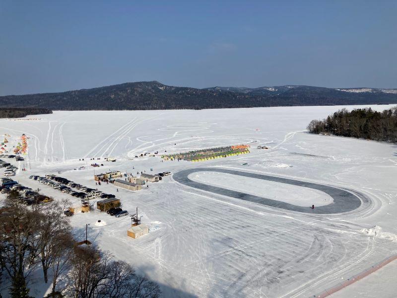 ニュー阿寒ホテルから見た阿寒湖氷上